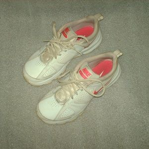 Nice pair of ladies Nike T-Lite XI shoes size 6.5
